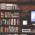 Domowa biblioteczka – jak przechowywać książki w mieszkaniu