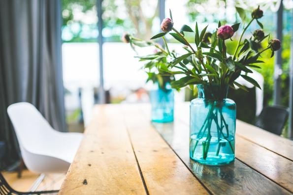 dom z kwiatami Investdom Nieruchomości