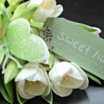 Jakie kwiaty do mieszkania – sztuczne czy prawdziwe?