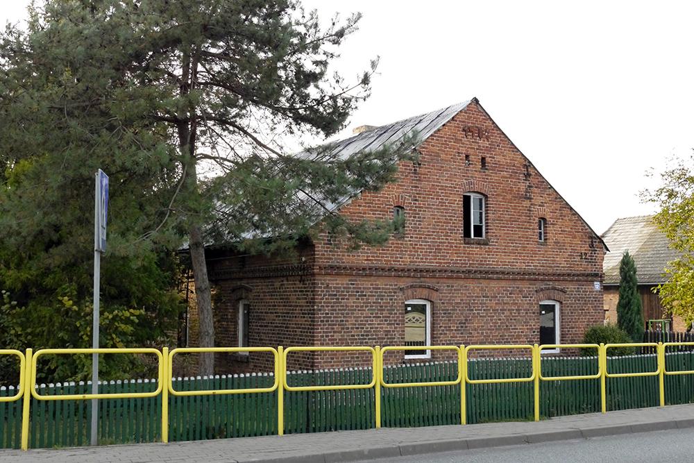 Dom-Biskupice-Byczyna