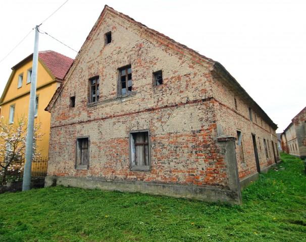 Dom na sprzedaż Bąków - 1