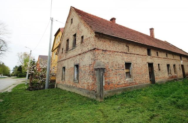 Dom na sprzedaż Bąków - 2