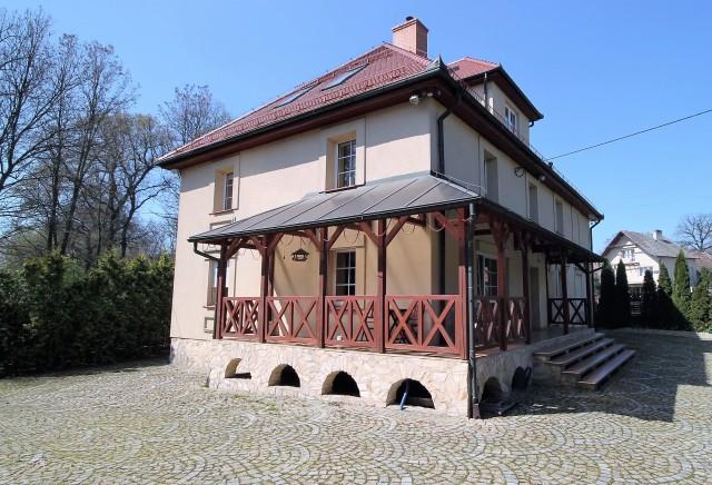 Dom na sprzedaż Henryków - 1
