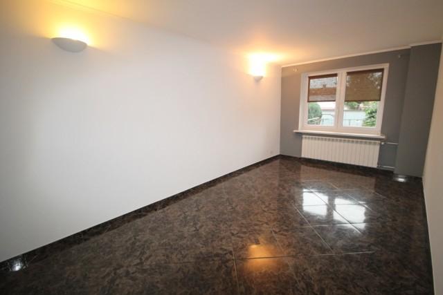 Mieszkanie na sprzedaż Lewin Brzeski - 1